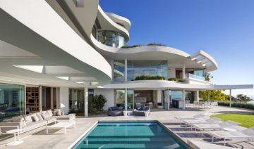 Lion's View - A Cape Town House 24