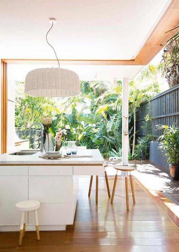 Tropical Kitchen Decor: 15 Fresh Natural Kitchen With Tropical Plants