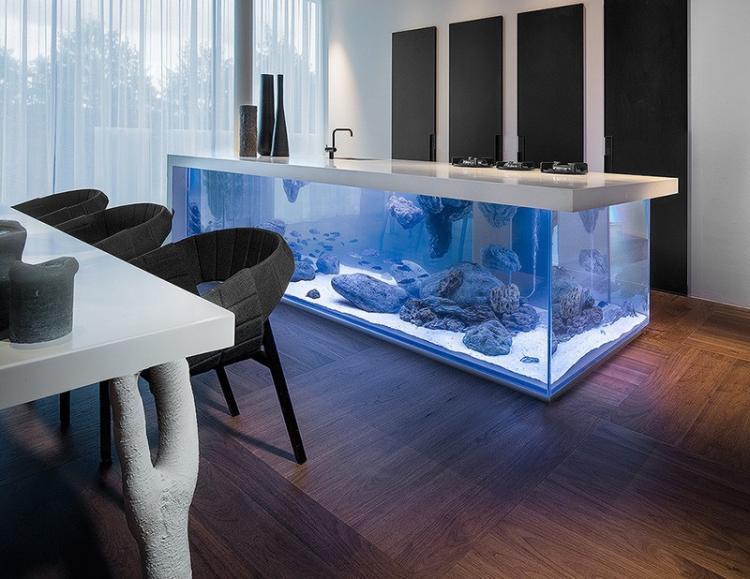 Wonderful Modern Aquarium in the Kitchen 3