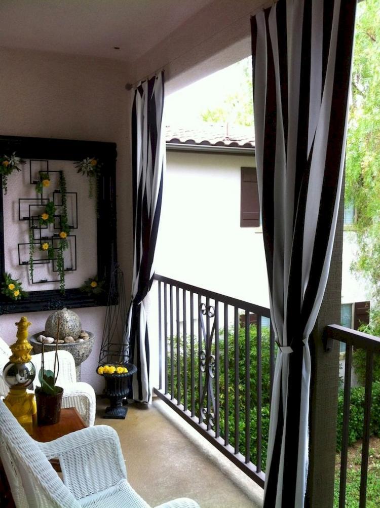 Cozy Balcony Decorating Ideas: 29 Cozy Small Apartment Balcony Decorating Ideas