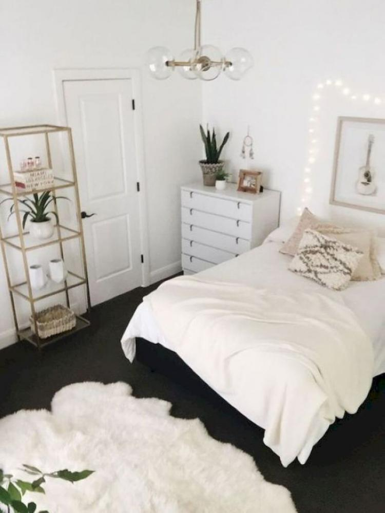 Easy DIY First Apartment Decorating Ideas 30