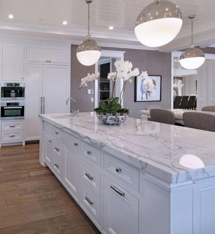Farmhouse Kitchen With White Cabinets: 40+ White Farmhouse Kitchen Cabinet Makeover Ideas